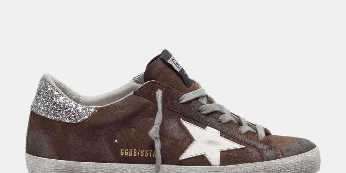 Golden Goose Sneakers Outlet teamed